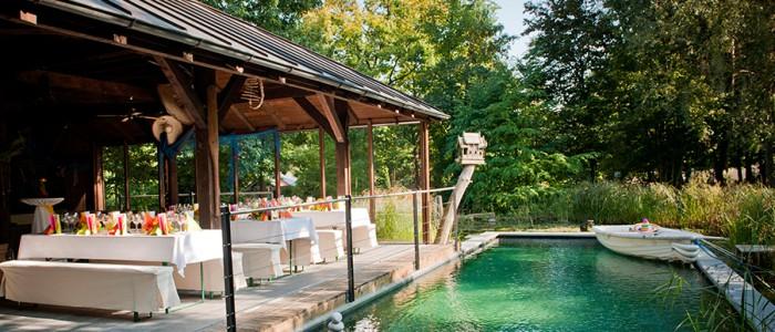 Gartenterrasse mit Pool